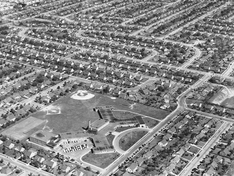 suburbanization and levittowns Suburbanization suburbanization  and critics charged the levitts and other suburban developers with racism levittowns and other neighborhoods had restrictive .